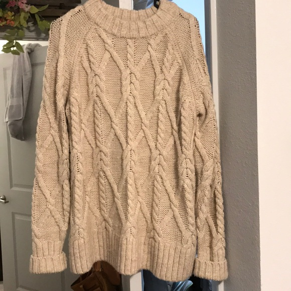 H M Sweaters - H M Chunky Oversized Cable knit Sweater 0cfc17eef